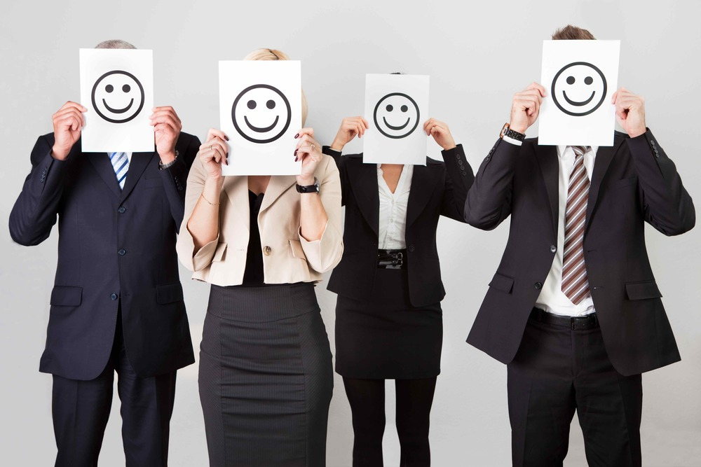 happy-employee-help-in-branding
